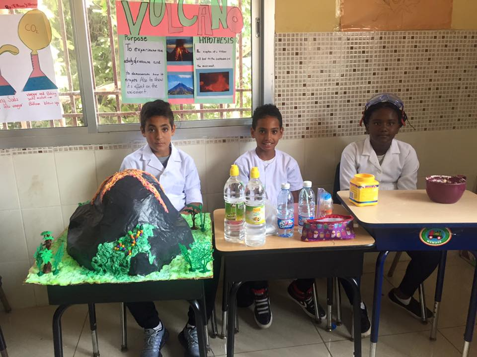 Creating A Volcano - sciencefair2017 (8)